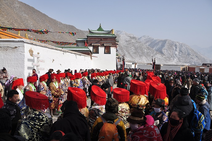 Guards of Honor Are Making Ready to Debut on the Mask Dance Festival in Labrang Monastery
