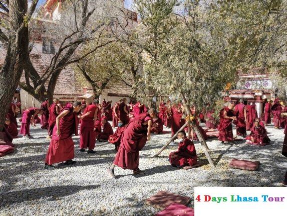 Debates at the Sera Monastery